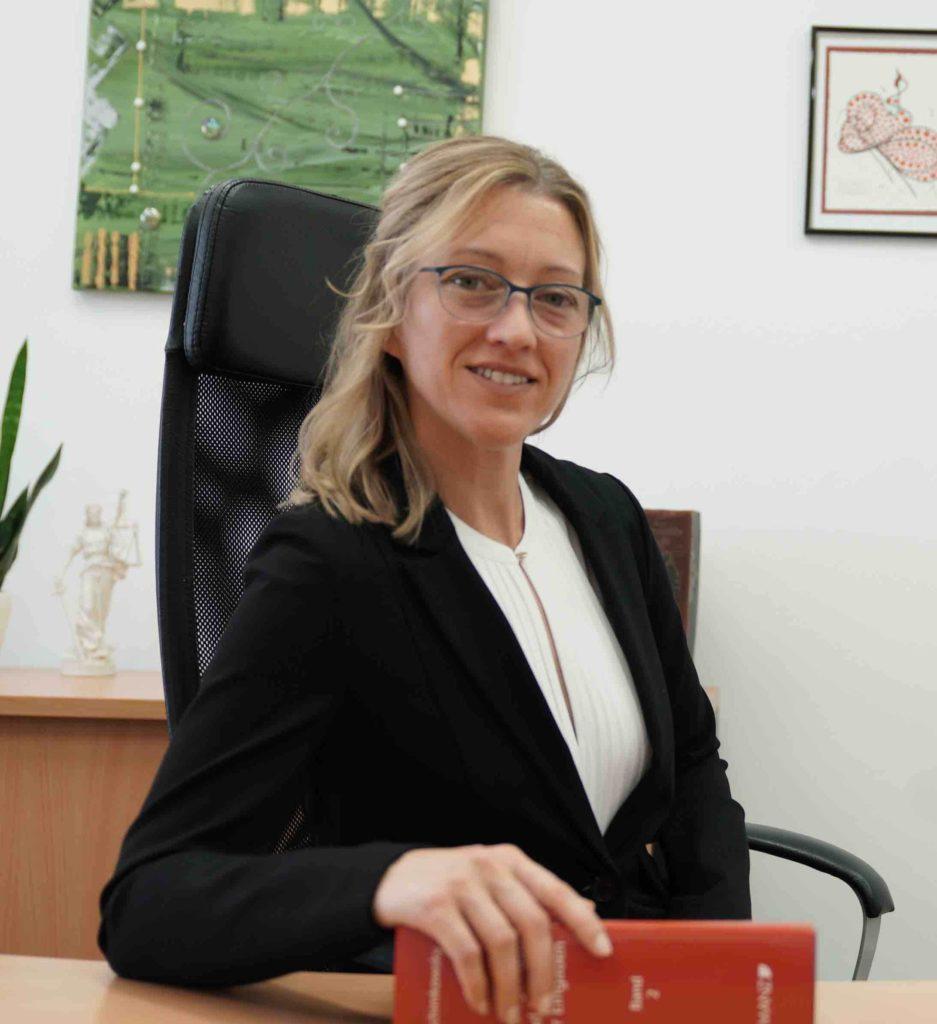 Mag. Karin Luxbacher Anwaeltin1
